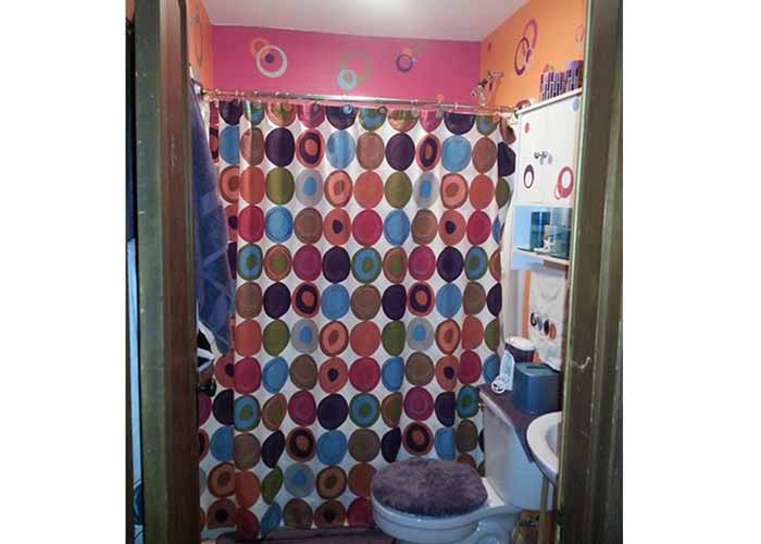 bathroom-decor-with-vinyl-decal-sticker-circlesextension-pg.jpg