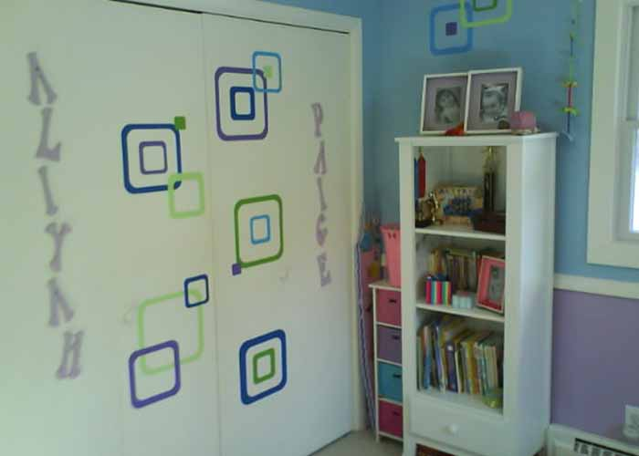 funky-rsquares-vinyl-wall-decals-girls-room-2extension-pg.jpg