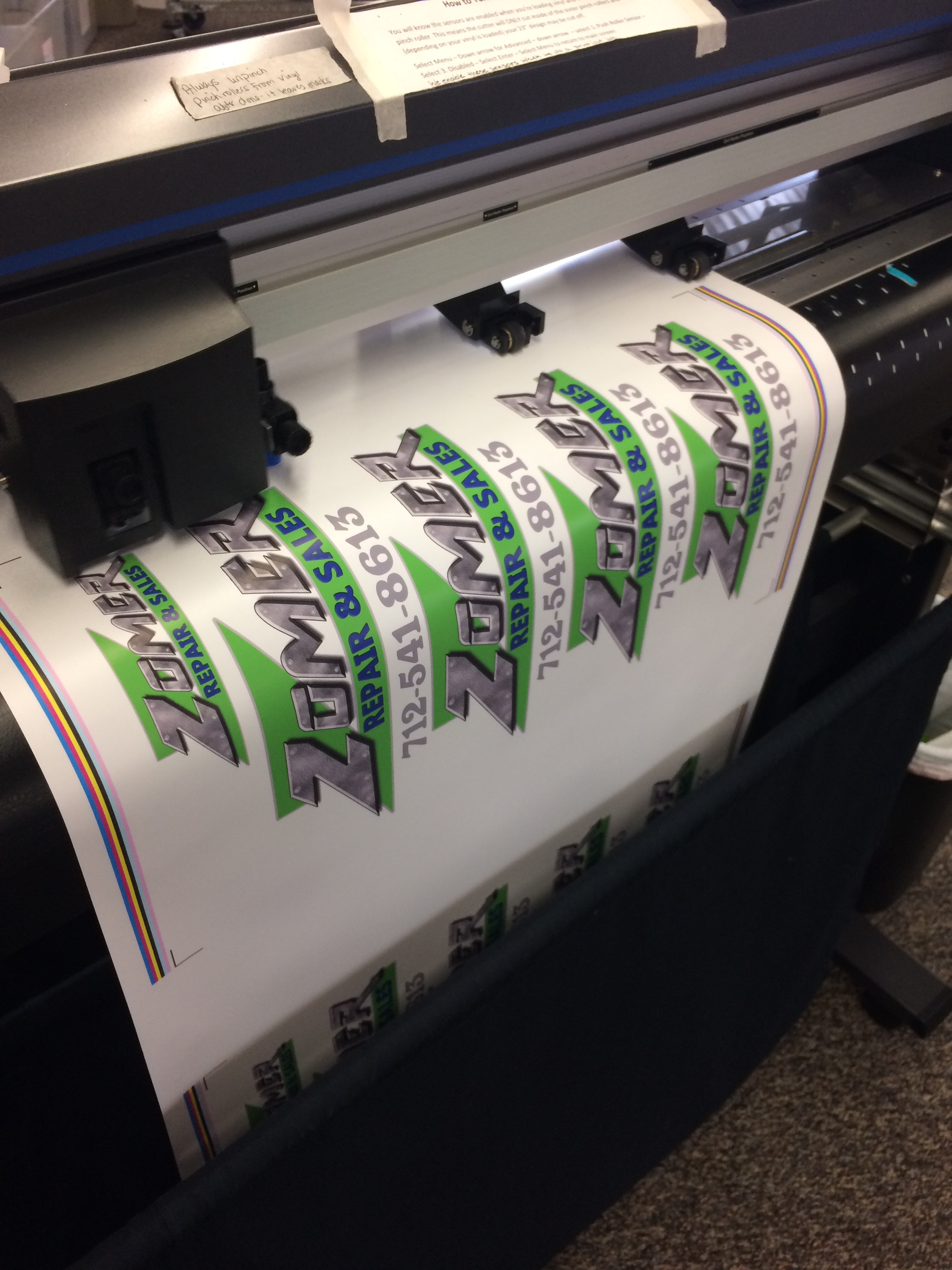 zomer-printed-logo-for-tshirts-on-cutter1.jpg